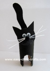 halloween craft cardboard-tube-black-cat