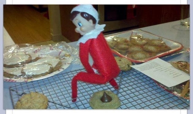 funny-elf-on-the-shelf-poop