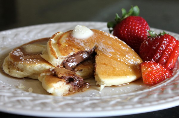 Chocolate-Stuffed-Pancakes-Breakfast-BEAUTY-e1309369219837