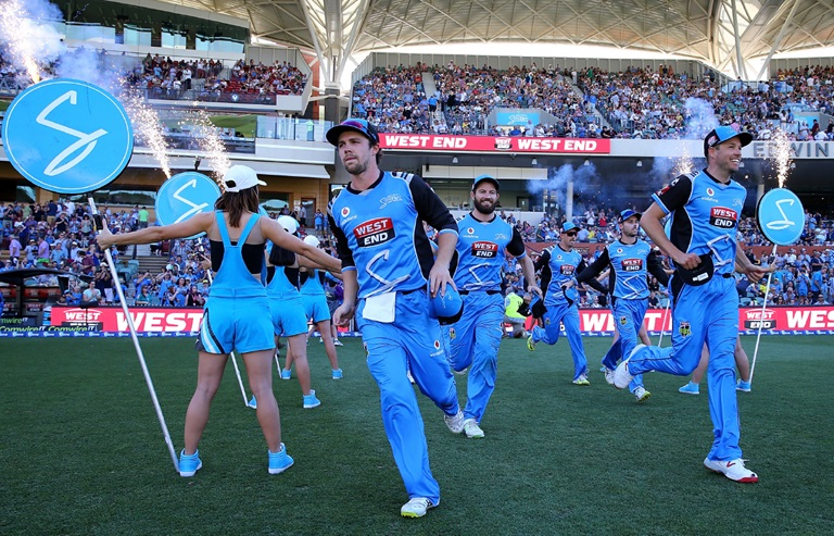 bbl strikers team running out